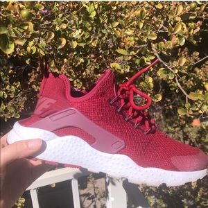 NIKE women's huarache air